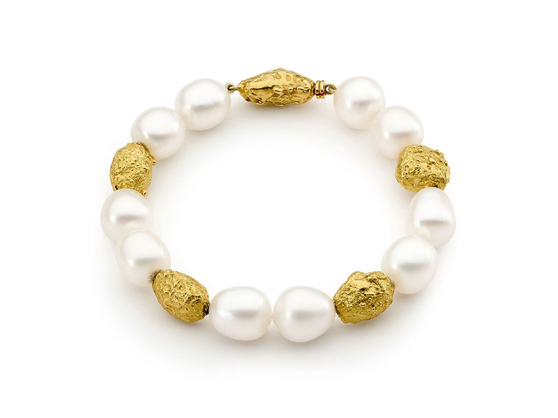 Linneys Yellow gold australian south sea pearl bracelet 4'250 £