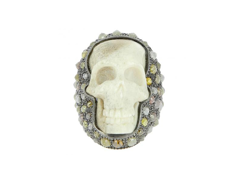 Loree Rodkin skull ring mounted on white gold with black rhodium and diamonds 10'080 €