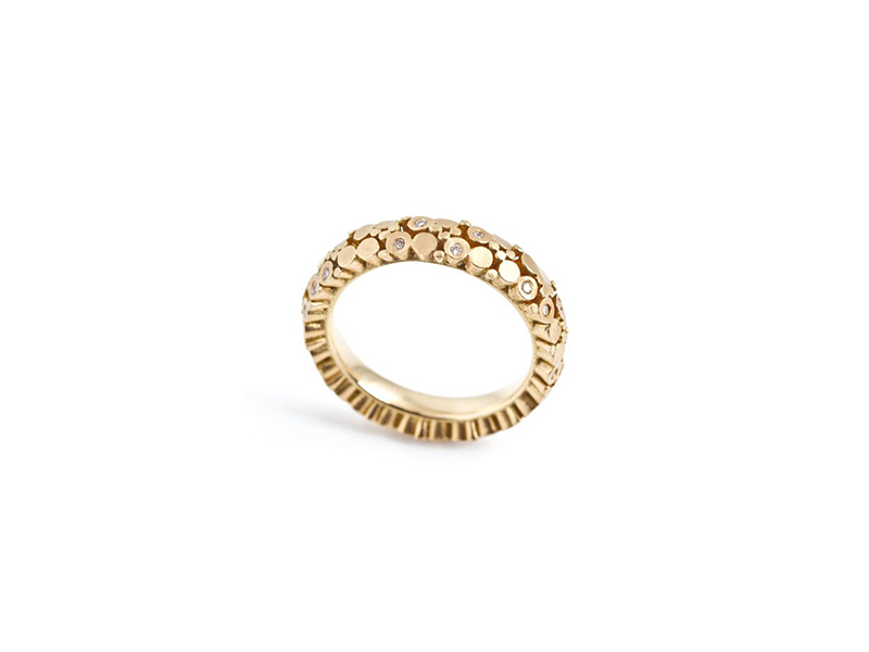 Mirri Damer Eternity ring mounted on yellow gold set with 25 diamonds