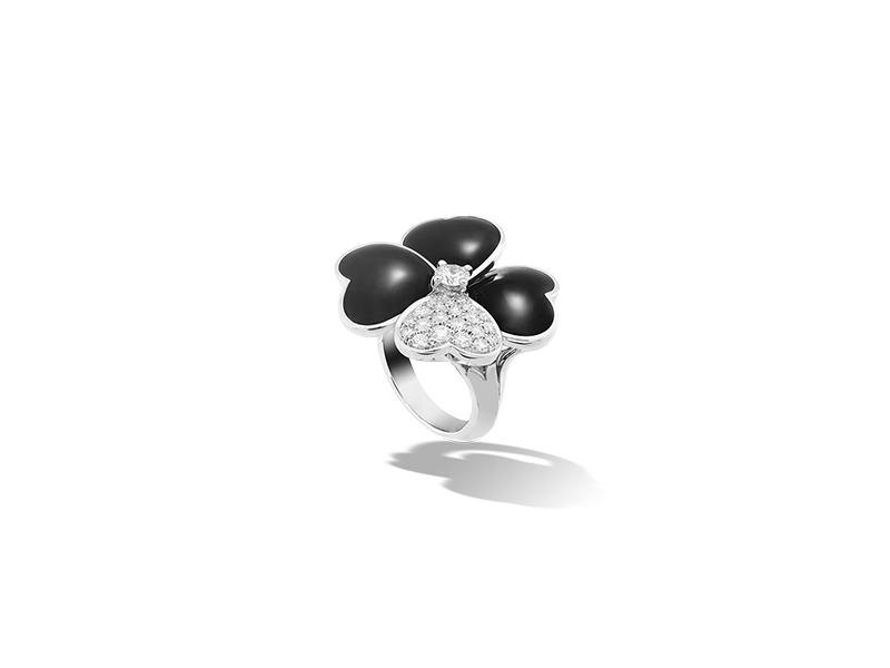 Van Cleef & Arpels Cosmos Ring 18100 $