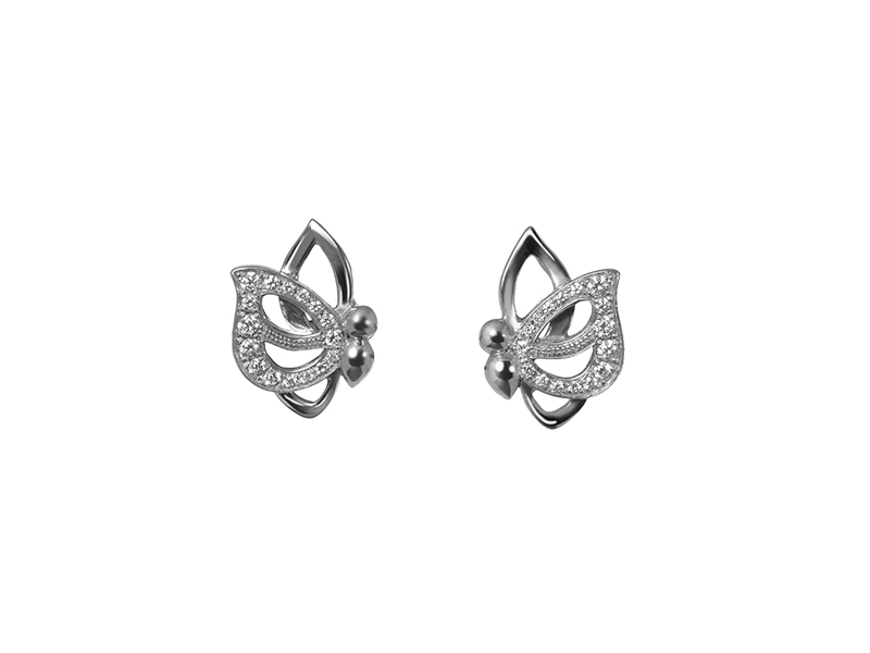 Vanessa Martinelli Vola via butterfly earrings