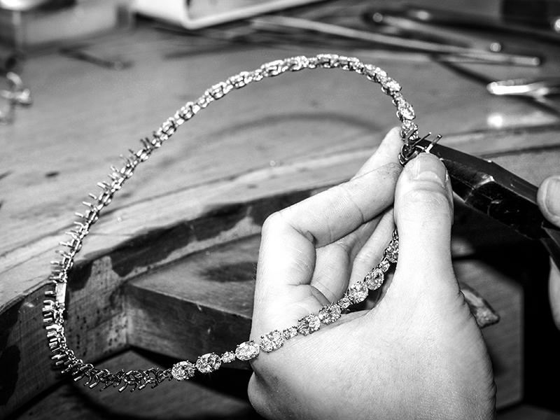 Messika Cravate Kali high jewelry diamonds