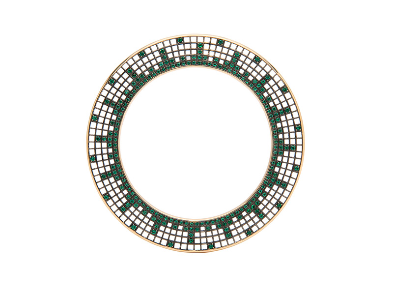 Roule & Co Starburst Halo Bangle - Blackened 18k yellow gold with emeralds