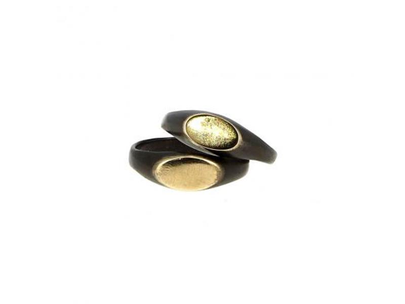 Henson Carved gold top set ring