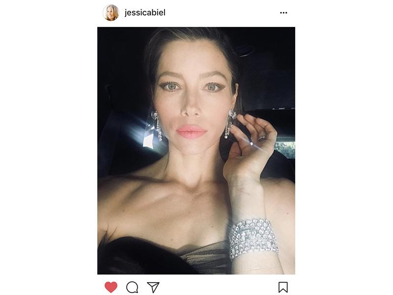 Bvlgari Jessica Biel wore a pair of earrings mounted on platinum with diamonds from the 1950's and two bracelets in platinum and diamonds from the 1930's. She also wore a Serpenti ring mounted on white gold with diamonds