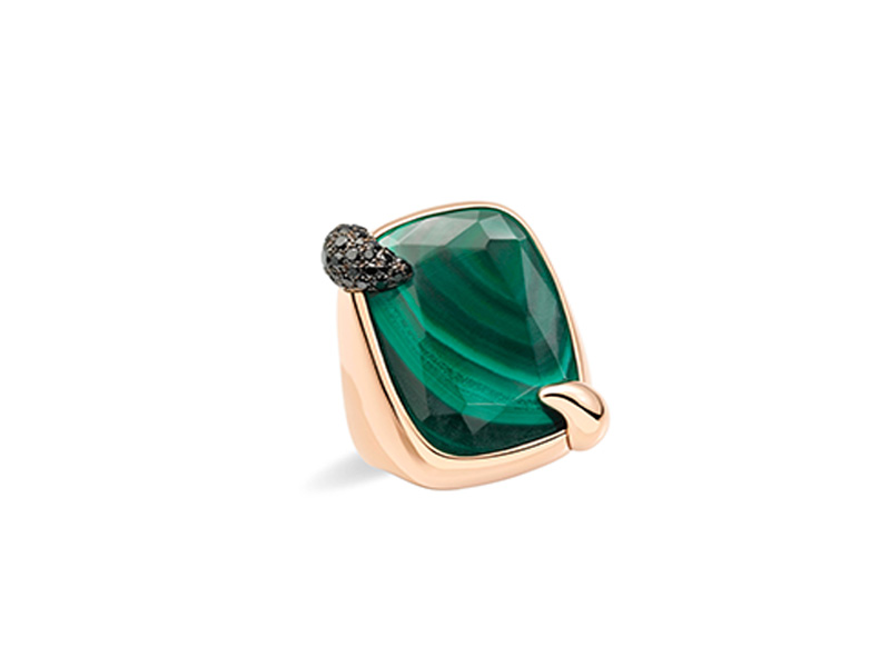 Pomellato Deep Forest malachite ring mounted on rose gold with black diamonds