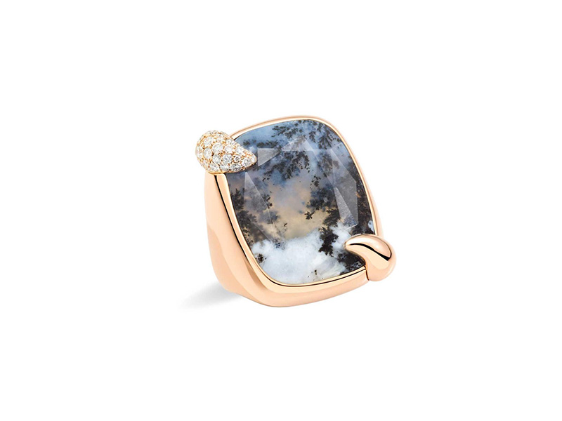 Pomellato Stormy Weather dendritic agate ring mounted on rose gold  with white diamonds