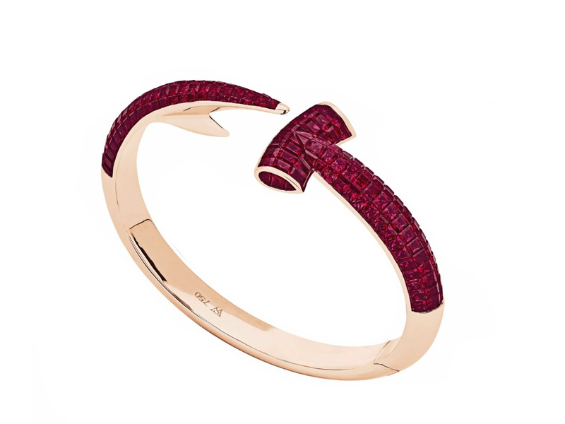 Stephen Webster Hammerhead hand crafted in 18 karat rose gold and set with square cut rubies