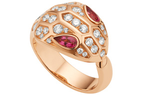 Bvlgari Serpenti ring mounted on rose gold set with diamonds and rubellite eyes