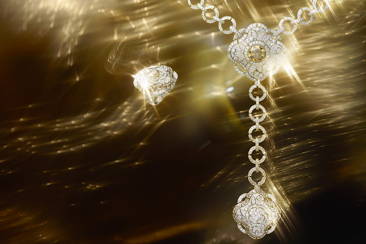 Chanel Les Talisman diamonds gold