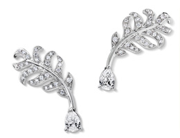 Chanel Plume Earrings white gold and diamonds
