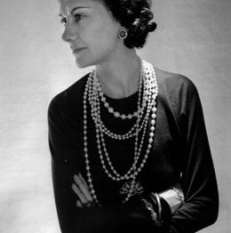 Coco Chanel black and white picture jewelry necklace pearls and diamonds