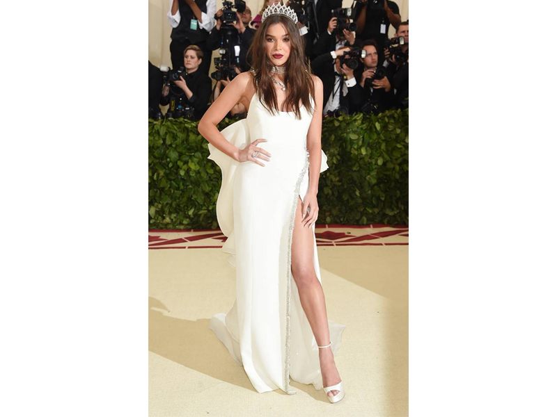 Hailee Steinfeld Met Gala 2018 wearing Tasaki Tiara adorned with white Japanese Akoya Pearls
