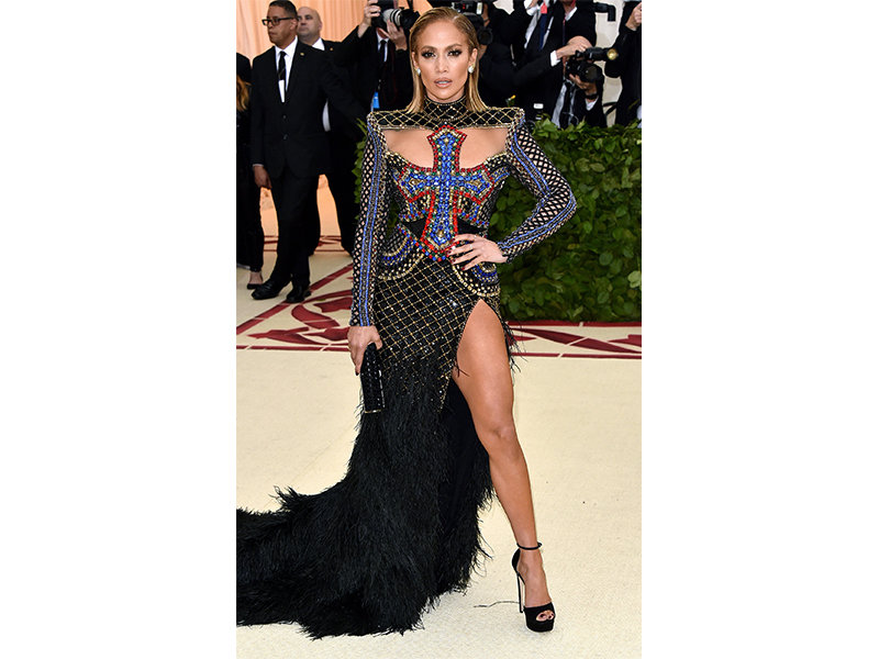 Jennifer Lopez Met Gala 2018 wearing tiffany & Co. jewelry