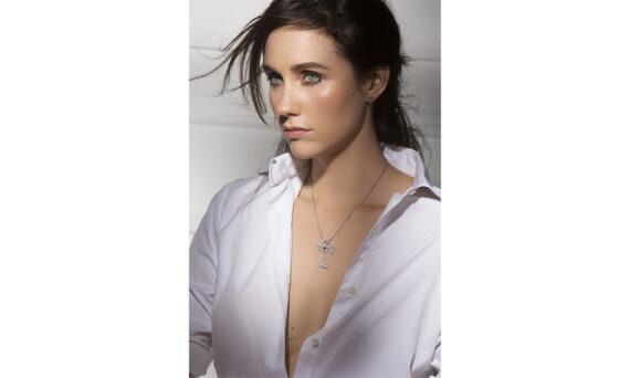 Laura Sayan Arev Cross modele
