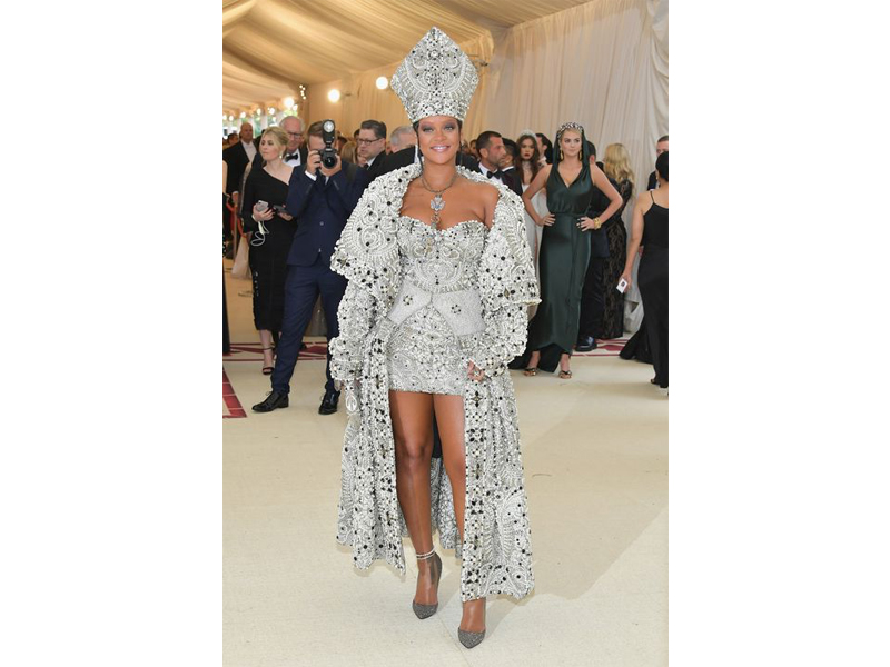 Rihanna Met Gala 2018 dress by Martin Margiela by John Galliano with Cartier and Maria Tash Jewelry