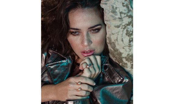 Stephanie Deydier Pearl in a shell bagues modele
