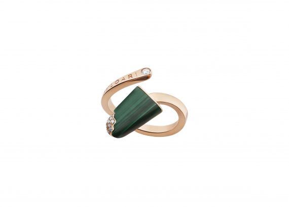 Bvlgari Gelati ring mounted on rose gold with malachite and diamonds
