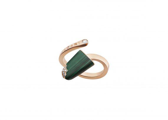 Bvlgari Gelati ring mounted on rose gold with malachite and diamonds