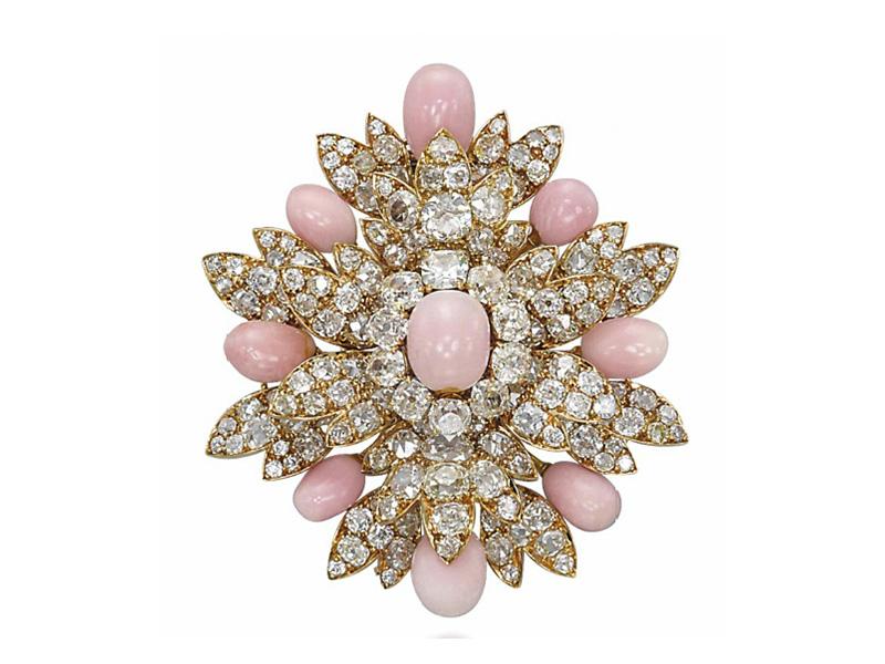 Harry Winston - Broche sertie de diamants et de perles de conche