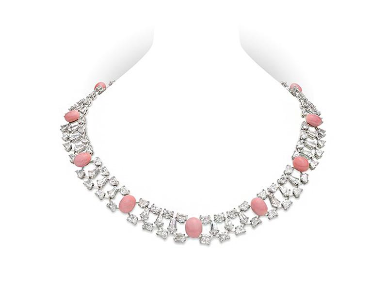 """Mikimoto - Collier de perles de conque en platine """"Empress Conch Pearl and Diamond Necklace"""" avec des perles entre 6 et 9 mm et 36.51ct de diamants"""