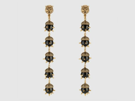 Gucci Feline earrings mounted on aged gold with resin pearls ~ USD$ 820
