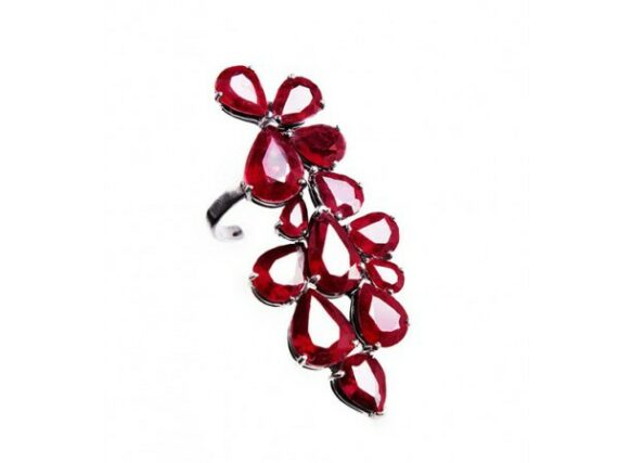 La Tache Bobo Thumb ring mounted on black gold with natural ruby