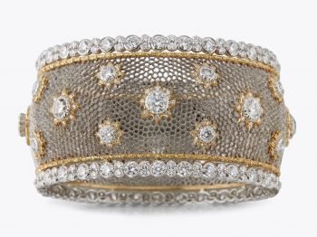 The Buccellati Tulle Creations are a true encounter between creativity and craftsmanship, the one that defines their Italian DNA