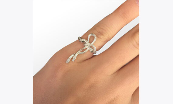 Colette Jewelry Bow Pinky ring