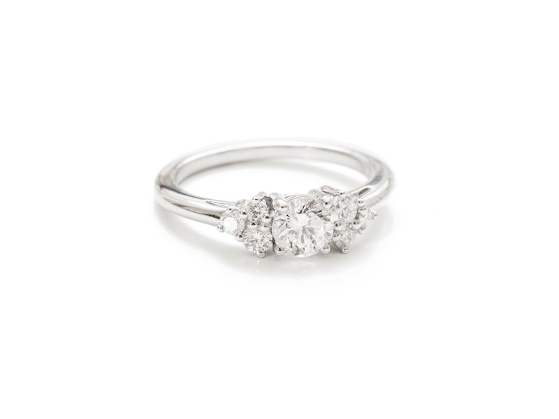 Pérouse Paris - Bague Louise en or blanc sertie de 7 diamants