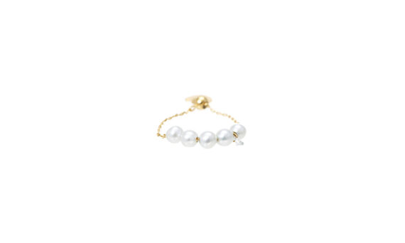 Persée Paris Perlée ring mounted on yellow gold with diamond and pearls