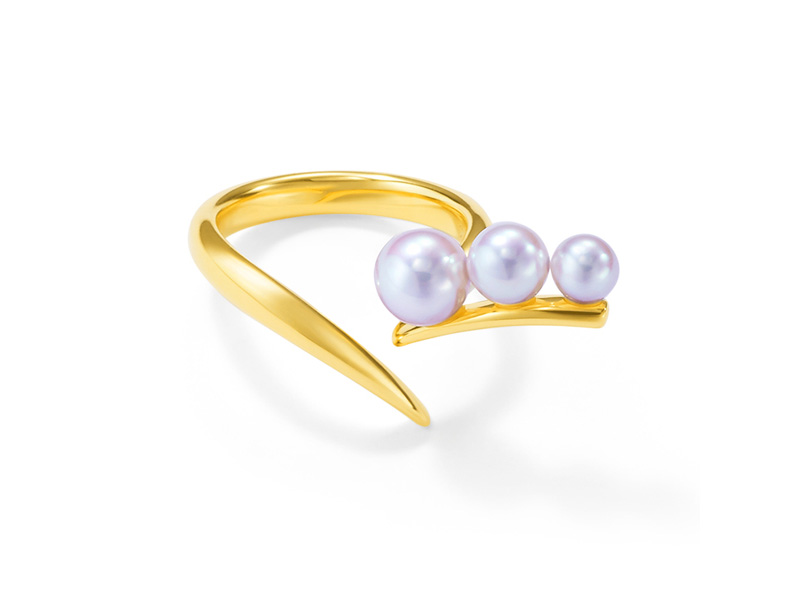 Tasaki x Prabal Gurung - Moulin ring mounted on yellow gold with Akoya pearls