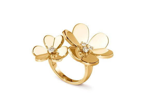 Van Cleef and Arpels Frivole between the finger ring, made with yellow gold and diamonds