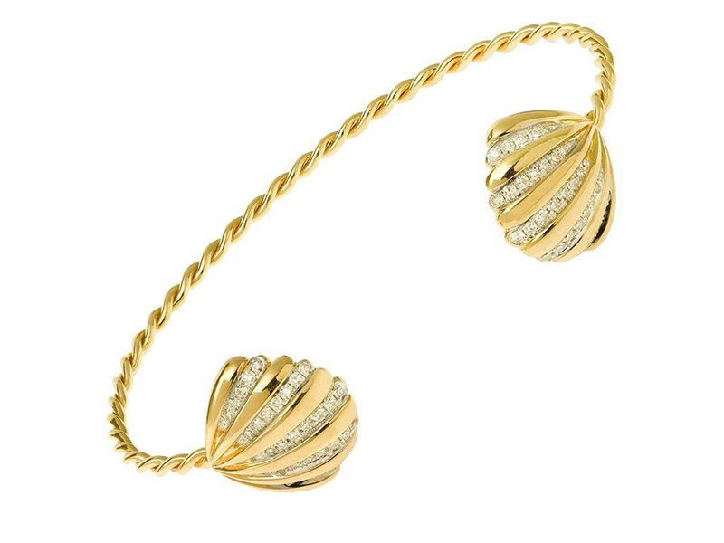 Yvonne Leon Double Shell bracelet mounted on yellow gold set with diamonds