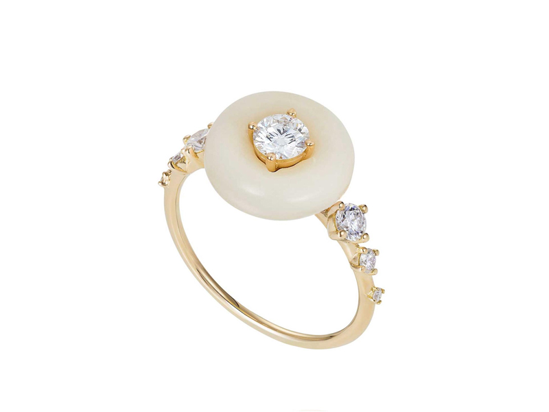 Fernando Jorge - Surround Ring, mounted yellow gold, with tagua seed and diamonds
