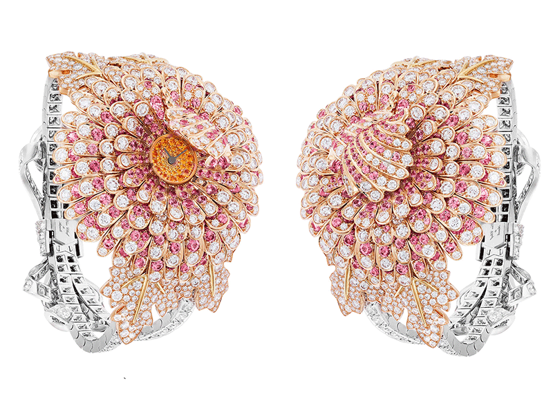 Van Cleef & Arpels - Chrysanthème Secret watch with a dial mounted on yellow gold set with round spessartite garnets, petals in pink gold, round diamonds and round pink sapphires