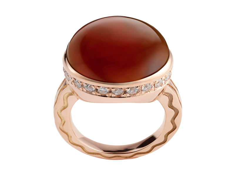 Misahara - Talas ring mounted on rose gold with a carnelian and white diamonds