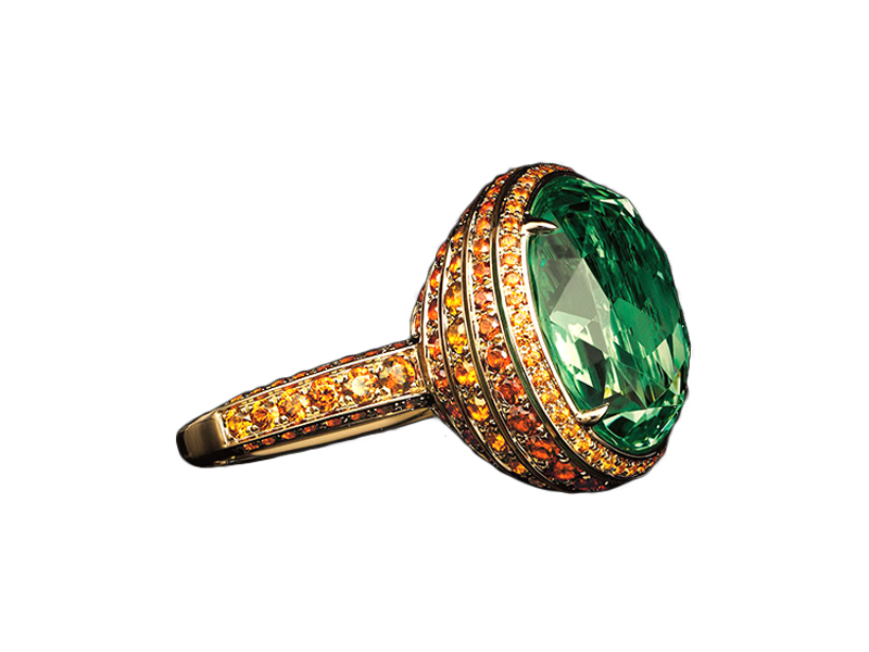 Tiffany & Co. - Ring mounted on yellow gold with an 11,79ct oval light tsavorite and round spessartites, from the Blue Book collection, The Art of Transformation