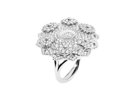 Caspita 7 Chakras Hypnotique diamonds ring 18k white gold