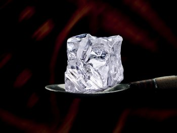 TALK: synthetic diamonds, diamonds provoking debate