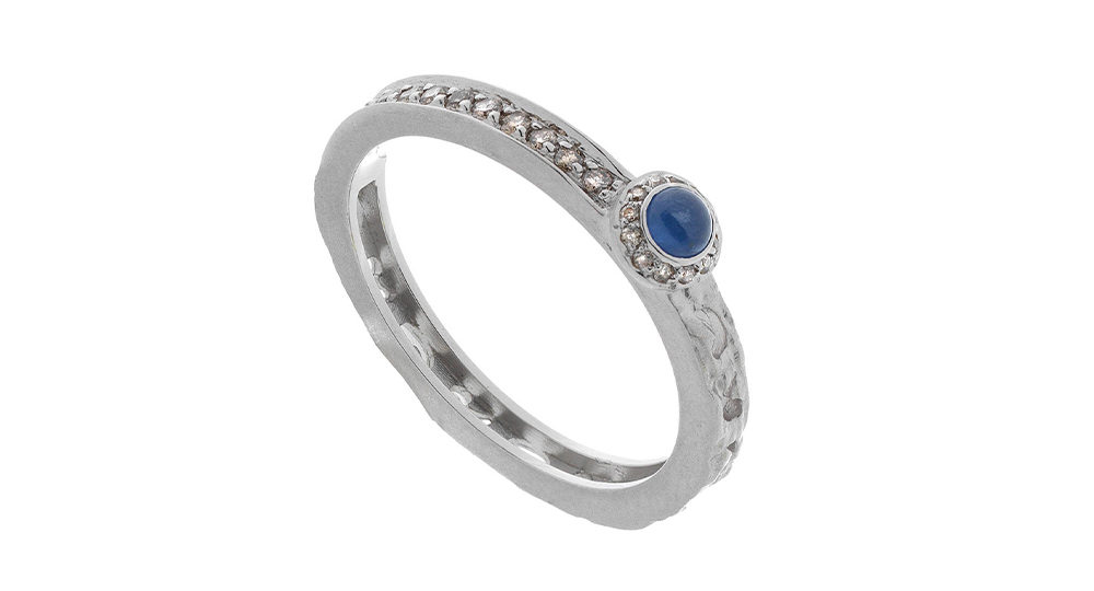 Orion circle halo ring with blue sapphire