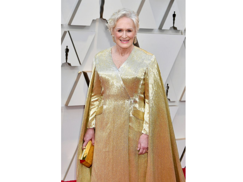 Cartier - Glenn Close wore earrings mounted on yellow gold set with diamonds