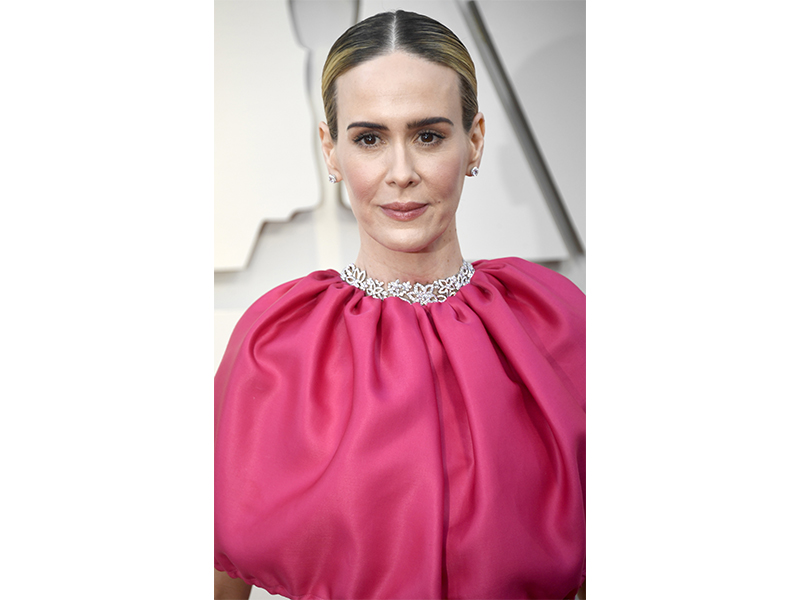 Harry Winston - Sarah Paulson wore Harry Winston's Guipure Diamond Necklace, 55.70 carats set in platinum and round brilliant diamond micropave earstuds, 3.49 carats, set in platinum
