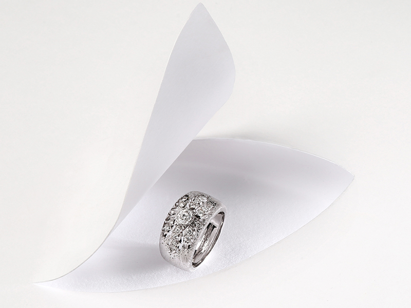 Bague Buccellati en or blanc et diamants · 8 450 €