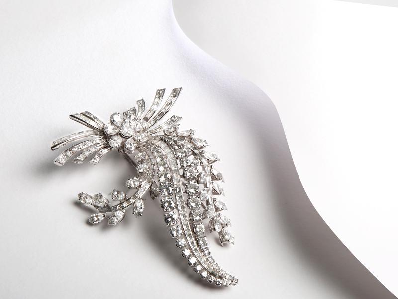 Broche «Bouquet», or blanc et diamants des années 1950 · 24 100 €