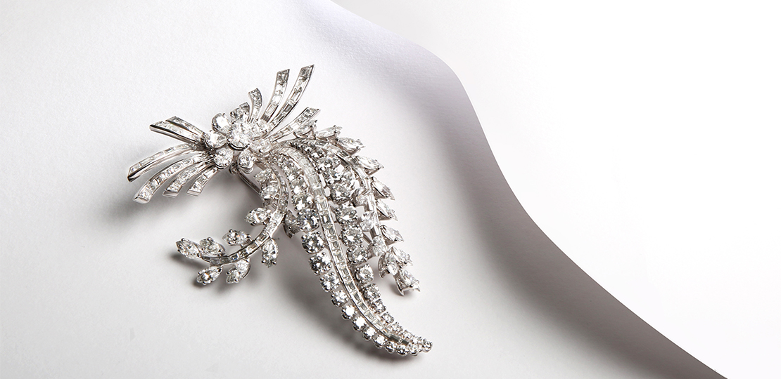 Broche «Bouquet», or blanc et diamants