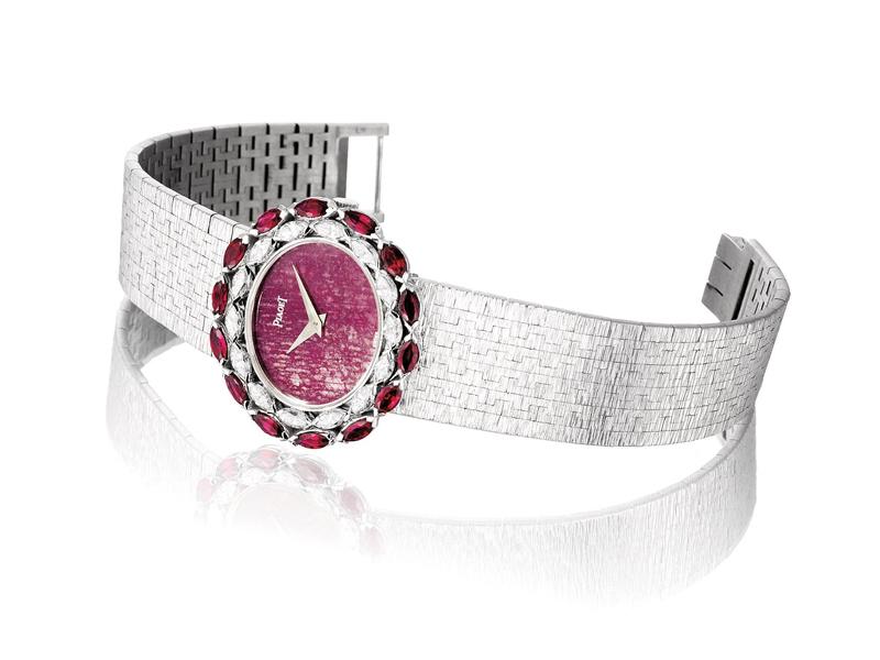 Piaget - Montre vintage de 1973 en or blanc sertie de diamants et de rubis