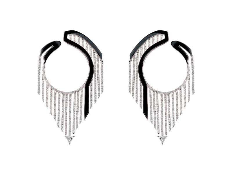 "Nikos Koulis - Boucles d'oreilles en or blanc et émail noir serties de diamants, issues de la collection ""Oui"""