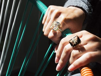 The designer-creator Alexia Demblum unveils her new ring, the Pulpo ring, incomparable ode to the Mediterranean
