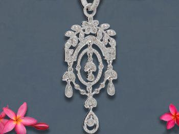 BRIDAL : 6 créatrices nous dévoilent le vestiaire de bijoux idéal de la mariée
